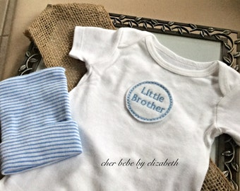 Little brother Coming home outfit, little brother Blue striped hospital hat and little brother onesie, 100% cotton, free gift wrap