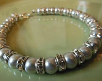 Silver pearl bracelet with spacer