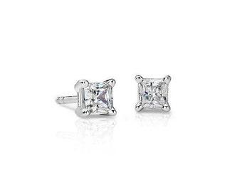 Princess-Cut Diamond Stud Earring ( 1/4 cttw)