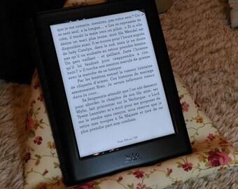 Cushion for reading light, Tablet