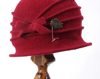 Red 1920's Cloche flapper Hat