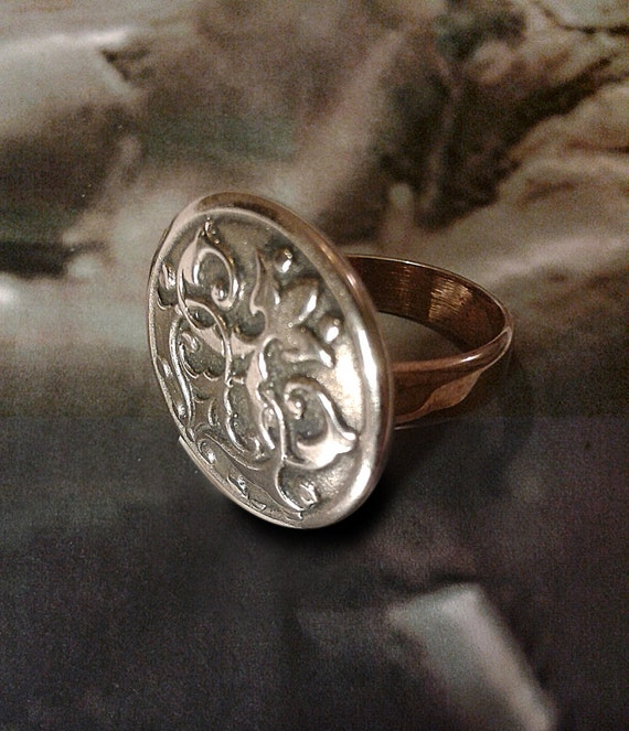 Chivalry - Medieval - arms - hand made bronze ring