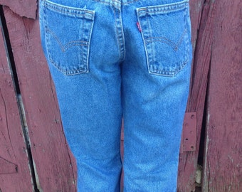"""90s Levis 517 jeans, size 30"""" waist, 90s boot cut jeans, flare leg, mom jeans, medium wash denim, womens Levis jeans 90s"""
