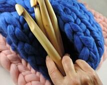 17-18mm giant crochet hook, Giant crochet hook, Giant Knitting, extreme crochet hook.