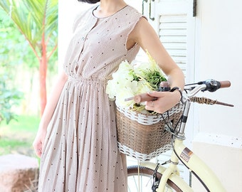 Vintage Dress / 1980s Dress / Striped Dress / Print Dress / Casual Dress / Light Brown Dress