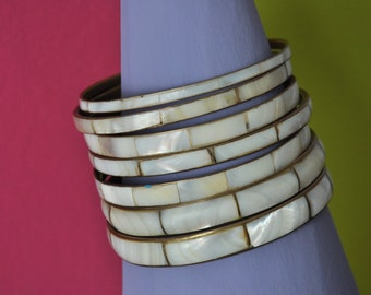 Vintage Set of 7 Shell nacre / mother of pearl bangle bracelets