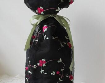 Floral Wine Bag, Housewarming Gift, Bachelorette Gift