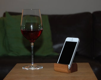 xBase SMALL - Walnut - mobile phone holder / stand