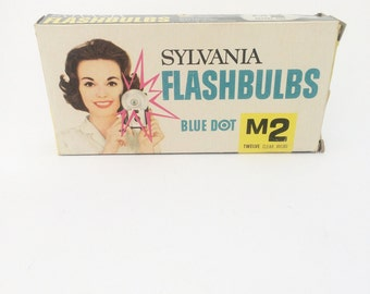 Vintage flashbulbs, set of 12 vintage sylvania flashbulbs, blue dot M2 clear bulbs