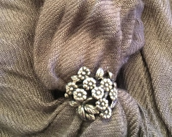 Silver flower Bouquet ring