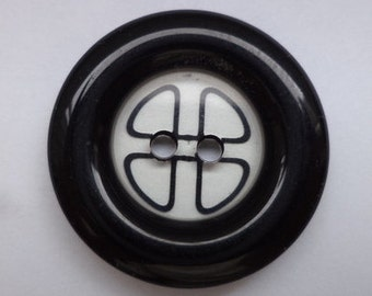 8 black buttons 23mm (1698)