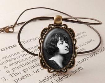 Dorothy Parker Pendant Necklace - Dorothy Parker Jewelry, Vintage Necklace, Literary Jewelry, Dorothy Parker Jewellery