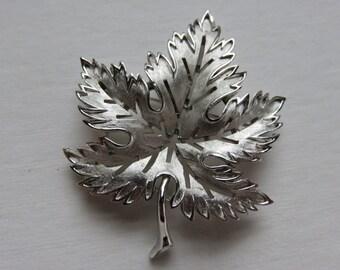 Vintage Crown Trifari Leaf Brooch Vintage Silver Tone Brooch Vintage Silver Tone Pin 1960's Trifari Pin Vintage Jewelry Costume Jewelry