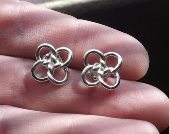 RARE Beautiful Authentic Tiffany & Co Sterling Silver Knotted Flower Stud Earrings