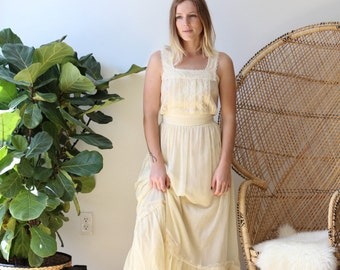 "1970S Cream Lace Maxi Dress - XS - 25"" Waist"
