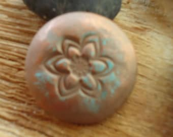 Aroma Diffusing Dark Clay Interchangeable Lotus Flower Aroma Button Essential Oils Aromatherapy