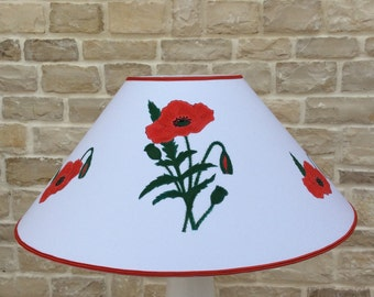 White shade ( -15% off) with Poppies paintings Available from 70 euros to 60 euros.