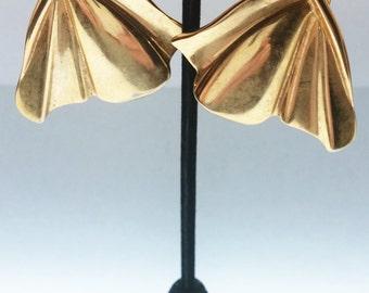 Splendid antique ribbon-like metal clip-on earrings
