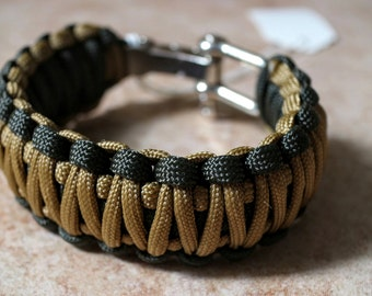 King Cobra Paracord Bracelet with Stainless Shackle