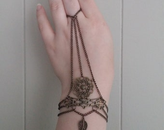 Antique Gold Filigree Hand Harness with Chain and Leaf Charm