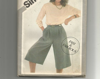 Simplicity Misses' Culottes and Pullover Top Pattern 5219