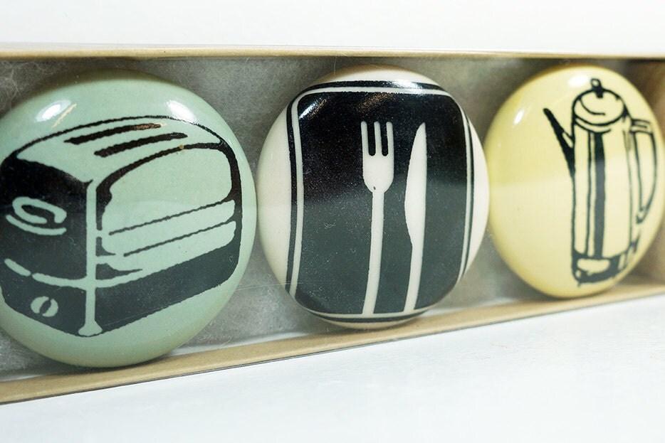 magnet set of kitchen stuff. (3pk)