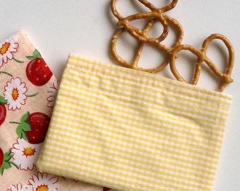 Reusable Snack Bag, Sandwich Bag in Yellow Gingham, Zero Waste Lunch