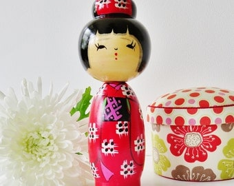 Kokeshi doll vintage red