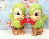 Very RARE FREE SHIPPING Vintage Antique Green Birds Wearing Bow Ties on a Tree Branch Salt and Pepper Shakers Collectibles or Cake Toppers