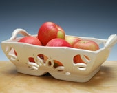 Fruit bowl in Ivory, Rose window pattern, Handmade Victorian modern