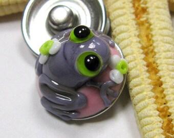 SMAUGGS handmade lampwork bead popper snap, glass, pink, purple, frog, 18mm