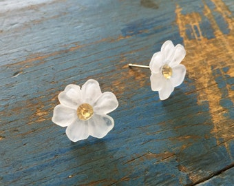 Crystal Flower Earrings | Frosted Clear Floral Studs | vintage lucite post earrings by Leetie Lovendale