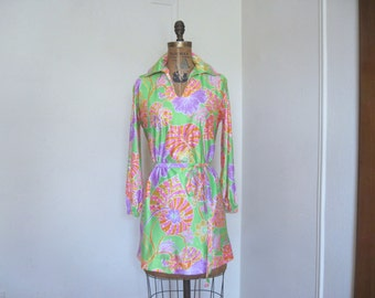 psychedelic flowers - vintage 1960s mini dress, shirt dress, long tunic blouse - green + HOT PINK + gold + orange + purple - size medium