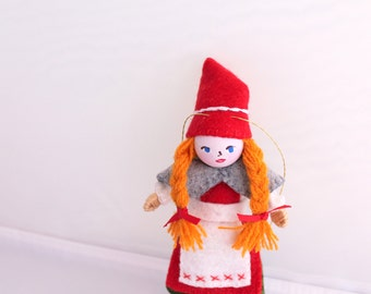 Handmade Felt Art Doll Dutch Girl in Traditional Clothes, Handmade felt bendy dolls