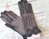 Lady Noir | Vintage 1940s Black Crochet Gloves Net Gloves with Rose Details- with Original Card Shaper - NWT