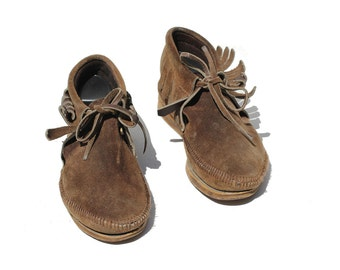 Brown Brown Leather Fringe Moccasin Ankle Boots / size 7