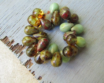 Czech  beads glass teardrops , translucent opaque drop mix, red  green avocado turquoise with picasso  6mm x 9mm   / 25 beads  6aZ0214