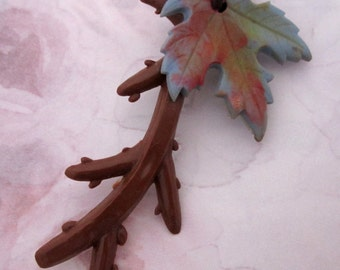 vintage celluloid maple leaf on branch brooch pin - j6361