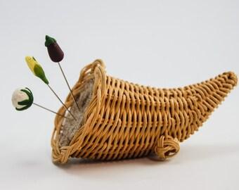 Pincushion 'Cornucopia' needle felt
