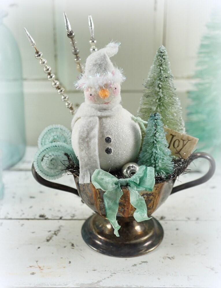 Snowman christmas decor ornament vintage style