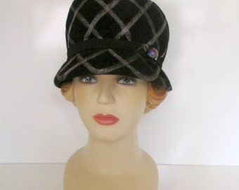 Vintage Cloche Style Hat from the 1960s Black with Lavender Emboridered Swirls Brimmed Cloche Roaring 20 style