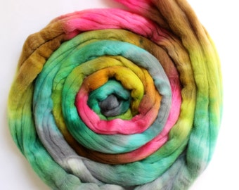 Merino Wool Top - Roving - Hand Painted - Hand Dyed for Spinning or Felting - 4oz - Passerby