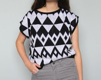 signs and symbols -- vintage 80s knit geometric sweater top -- S/M