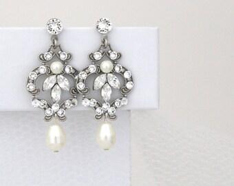 Crystal Bridal earrings, Pearl Wedding earrings, Pearl earrings, Bridal jewelry, Swarovski crystal earrings, Antique silver earrings
