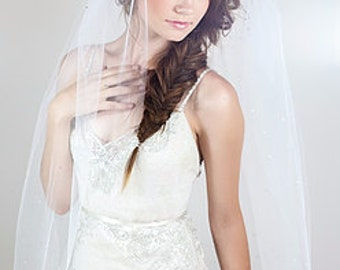 "Lovely cut edge two layer bridal veil 30"" X 36"" on comb raw edge unfinished"