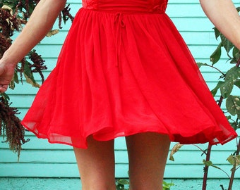 Vintage crushed red velvet and chiffon holiday dress//short dress//sleeveless//Mint condition//women size small