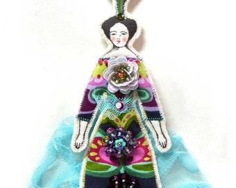 Small Flat Flower Lady Doll Ornament Handmade Modern Vintage Look Fabric Doll Decoration Embellished Art Doll Ornament