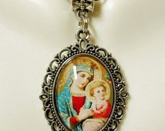 Our Lady of Perpetual Help pendant and chain - AP05-259