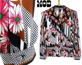 Amazing Psychedelic Black, White, Pink, Brick and Green Op Art Floral Hippie Shirt!