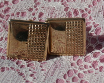 Square with Grid Pattern Cufflinks, Cuff Link Set, Gold Toned Metal Vintage for Him